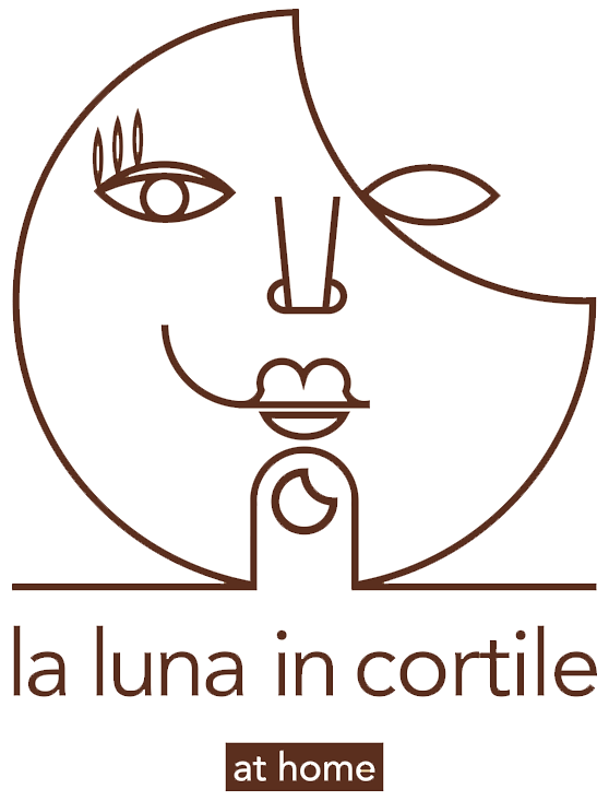 La Luna In Cortile :: Bed and breakfast Logo